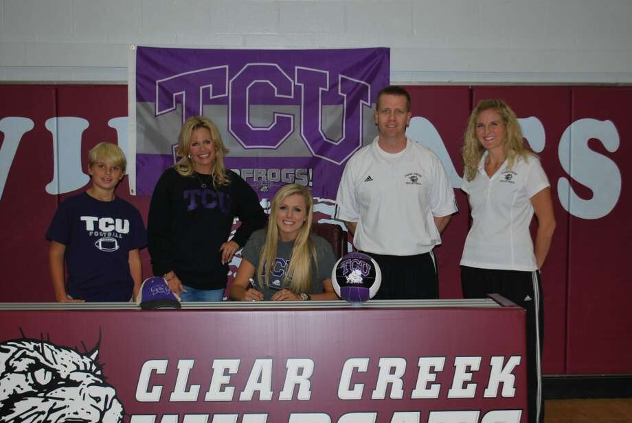 Ashley Smith of Clear Creek HS volleyball team signs to TCU (Courtesy of Clear Creek Athletic Department )