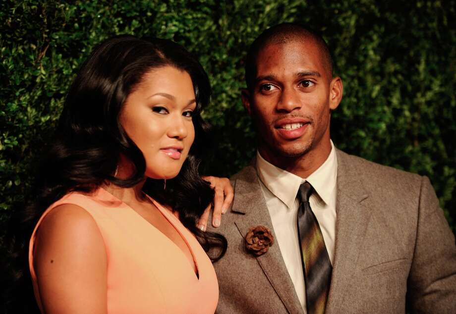 Elaina Watley and NFL player Victor Cruz attend The Ninth Annual CFDA/Vogue Fashion Fund Awards at 548 West 22nd Street on November 13, 2012 in New York City.  (Photo by Dimitrios Kambouris/Getty Images) Photo: Dimitrios Kambouris, Getty Images / 2012 Getty Images