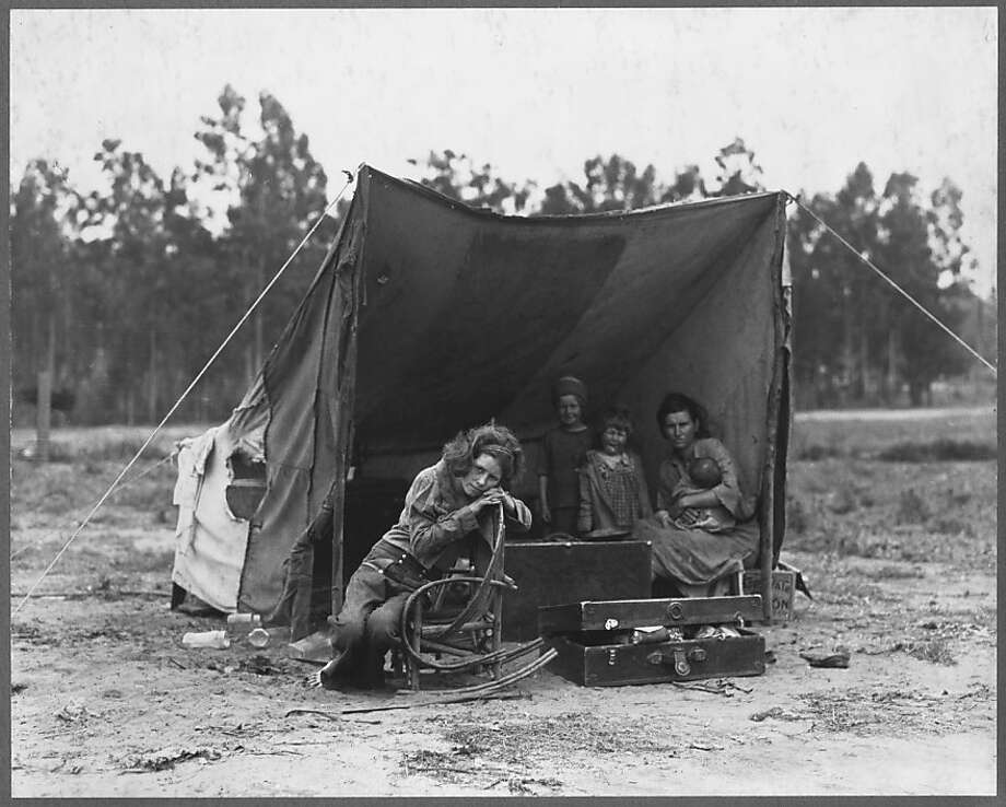 Florence Thompson and her children camp on a farm in Nipomo (San Luis Obispo County) during the drought in 1936. Photo: Dorothea Lange, Library Of Congress