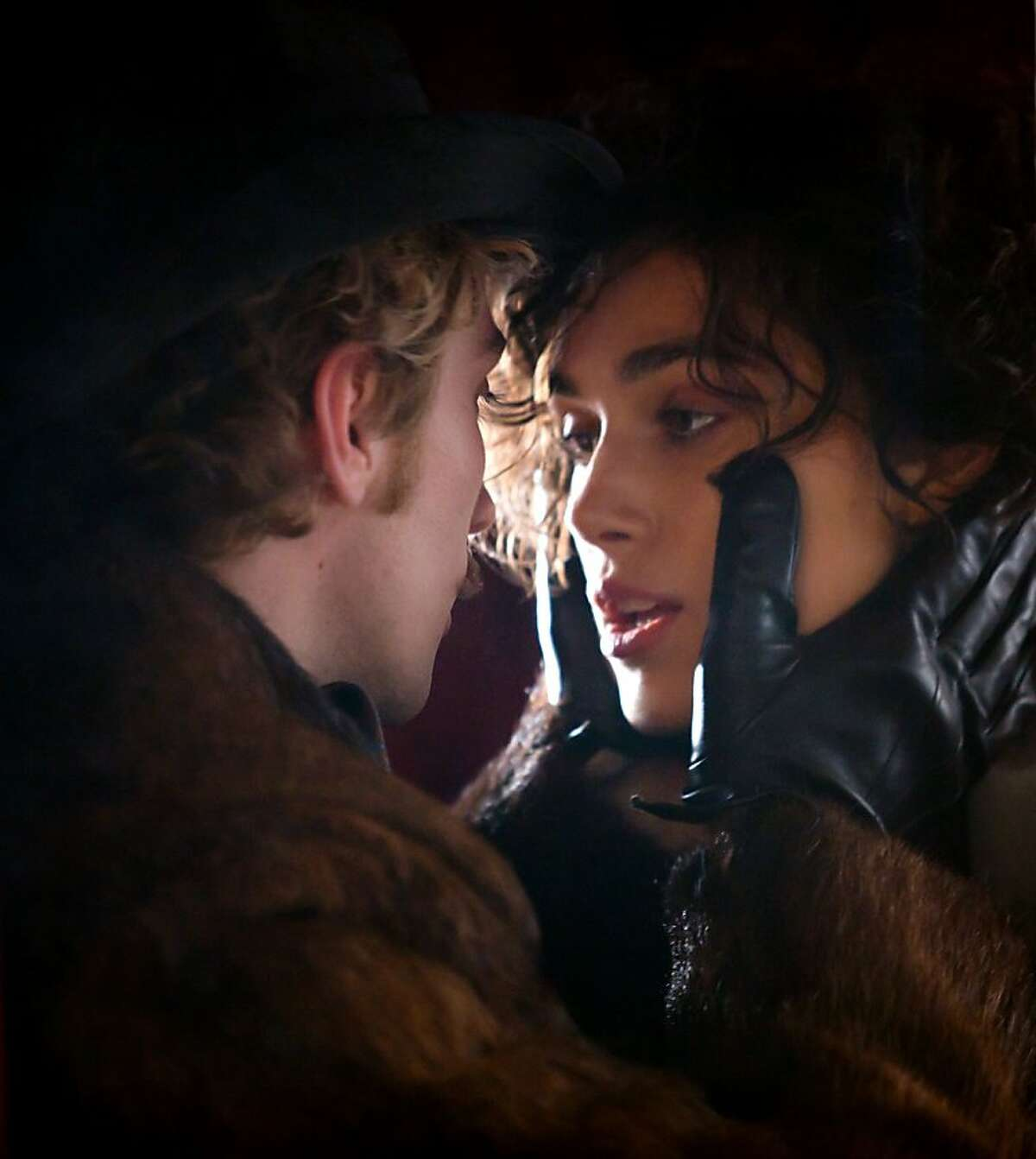 (l to r) Aaron Taylor-Johnson stars as Vronsky and Keira Knightley stars as Anna in director Joe Wright?•s bold, theatrical new vision of the epic story of love, Anna Karenina, a Focus Features release.