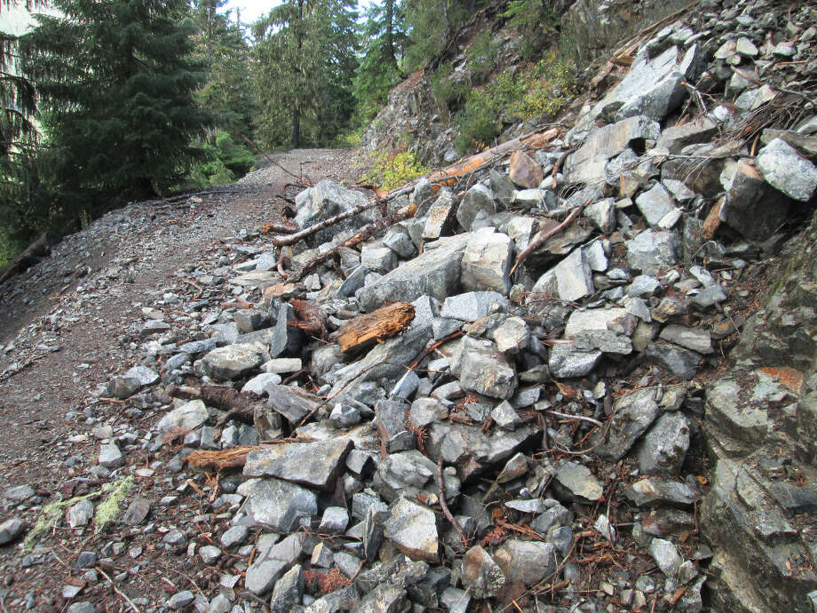Just beyond trailhead, a rock slide blocks anybody who considers driving a Jeep in (Tom Stienstra/The Chronicle)