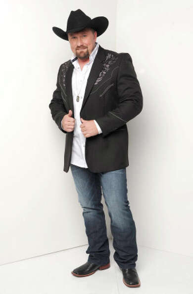 THE X FACTOR: 12 Perform: Tate Stevens.  CR: Ray Mickshaw / FOX.