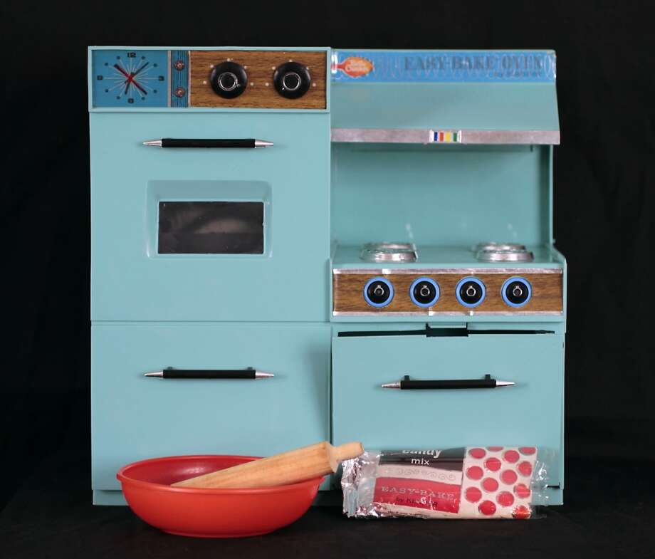 Easy Bake Oven (Courtesy Albany Institute of History and Art) (ALL)
