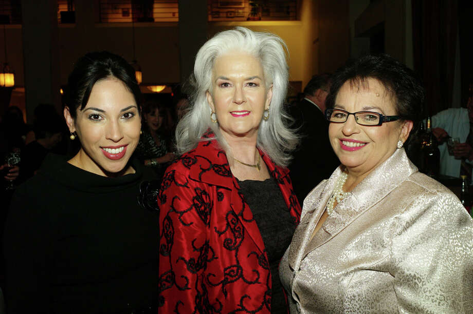 Honoree Sonya Medina, from left, speaker Heloise and honoree Choco Meza gather at the San Antonio Women's Chamber of Commerce Constellation of Stars awards at the Airport Hilton Hotel on 11/9/2012. Photo: LELAND A. OUTZ, SPECIAL TO THE EXPRESS-NEWS / SAN ANTONIO EXPRESS-NEWS