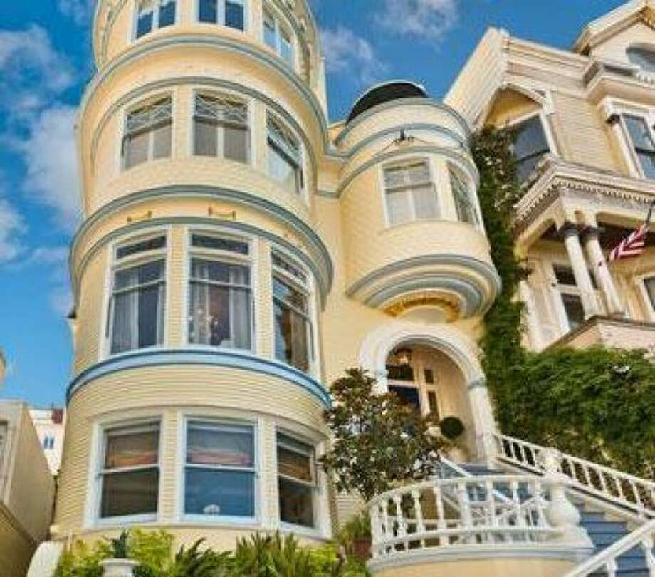 A heavily embellished SF Victorian. Photo: Courtesy Antoine Crumeyrolle/Vanguard Properties/Redfin / SL
