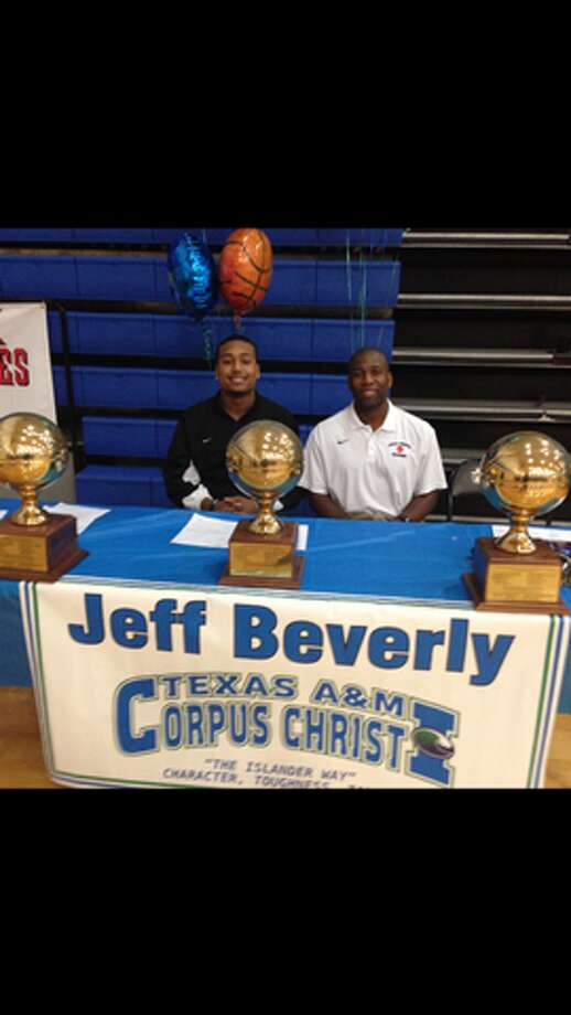Jeff Beverly of Clear Springs basketball team signs with Texas A&M Corpus Christi to further his education and basketball career (Courtesy of Clear Spring Athletic Department )