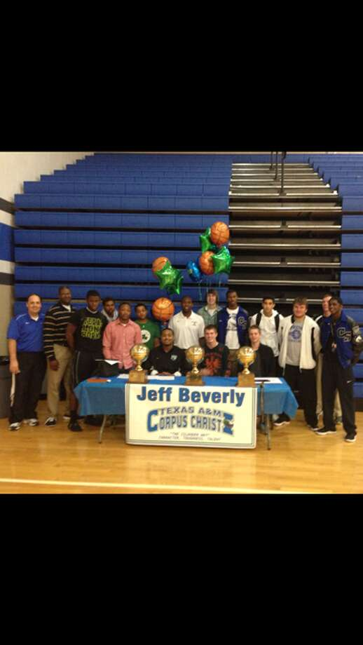 Jeff Beverly with his high school teammates  (Courtesy of Clear Spring Athletic Department )