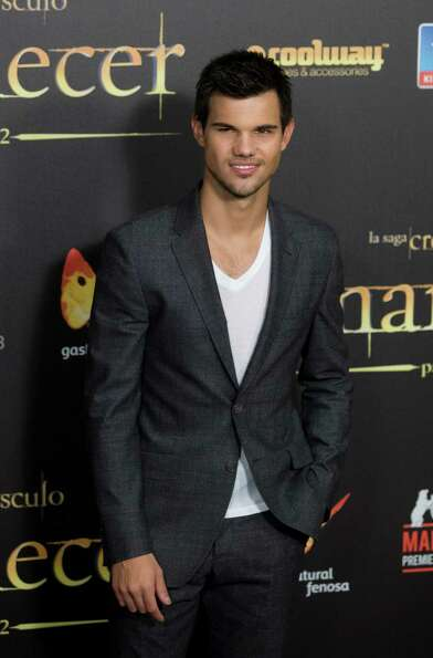 American actor Taylor Lautner poses during a photo call in the Spanish premiere of the film