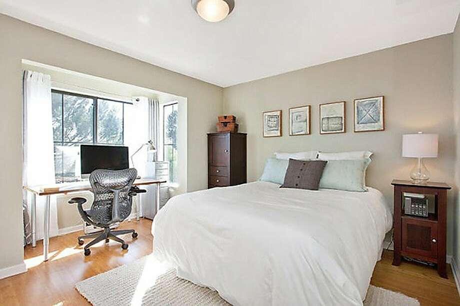 San Francisco, $979,000 313 Franconia St. Photo: Zephyr Real Estate