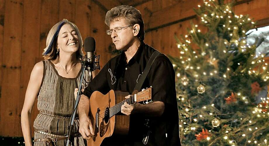 """A Down Home Christmas With Nell & Jim,"" featuring Nell Robinson (left) and Jim Nunally, will stir home-for- the-holidays feelings. Photo: Mike Melnyk"