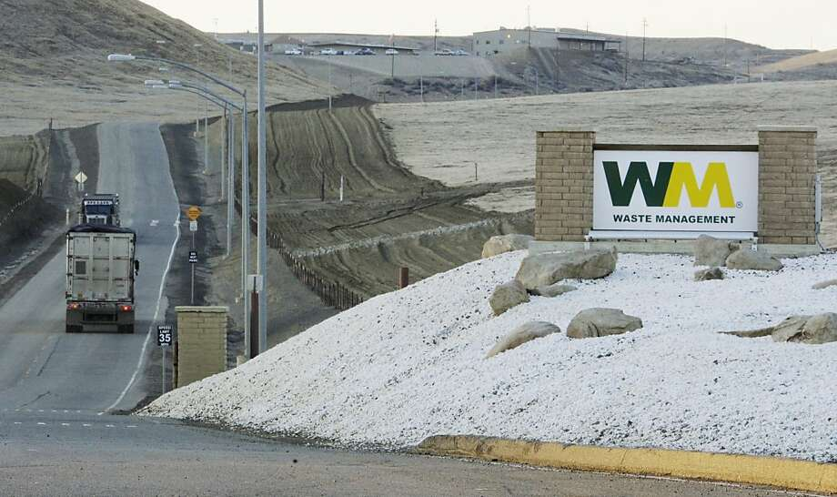 State officials said the problem with the spills at Chemical Waste Management's hazardous waste landfill was that the company failed to report the spills as required each time such spills occurred. Photo: Reed Saxon, Associated Press