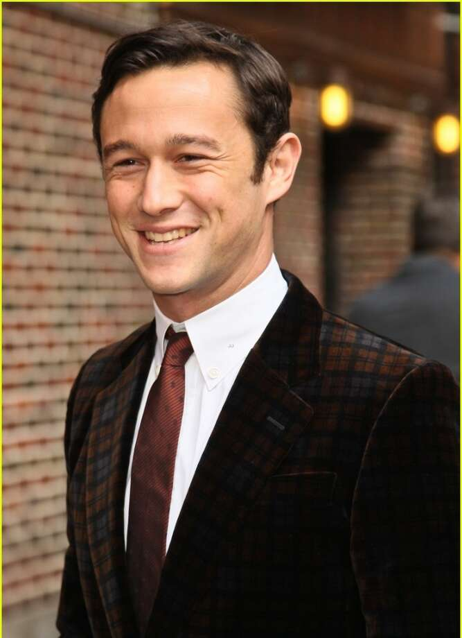 Joseph Gordon-Levitt - This might be my favorite choice. Gordon-Levitt is the goods and like Hader, he just needs that one breakout role to be the go-to guy. Could Carson be it?