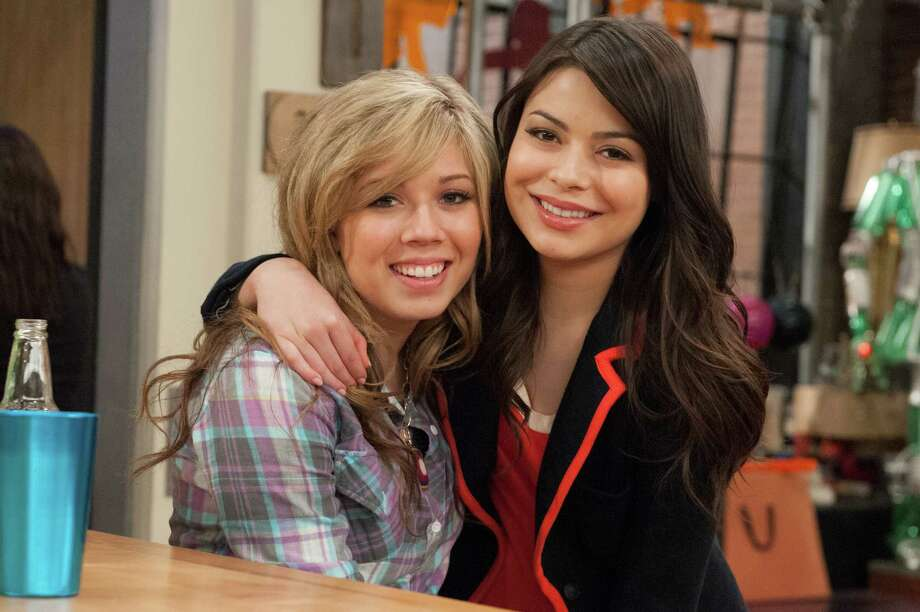 """Miranda Cosgrove, right, was on """"Drake & Josh"""" and """"iCarly"""" on Nickelodeon. Jennette McCurdy, left, is currently starring on Nickelodeon's """"Sam & Cat."""" Photo: Lisa Rose, STR"""