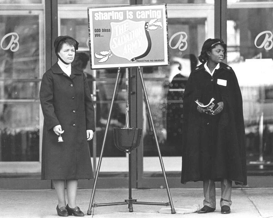Mrs. Capt. Kathleen Bentley and Jeanine Quetant outside the entrance to Bloomingdales in Stamford on Nov. 20, 1987. Photo: File Photo