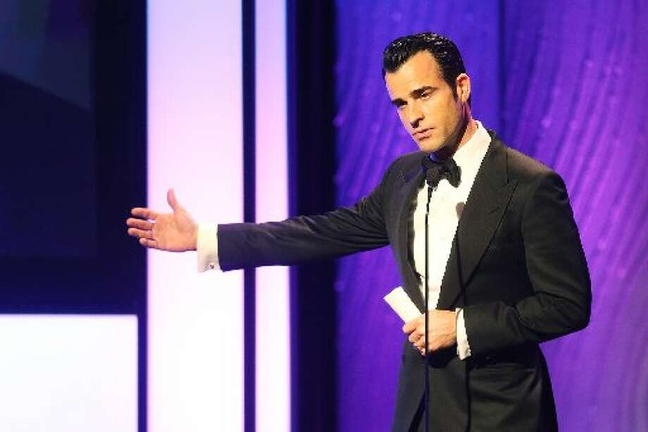 Actor Justin Theroux speaks onstage during the 26th American Cinematheque Award Gala honoring Ben Stiller at The Beverly Hilton Hotel on November 15, 2012 in Beverly Hills, California. (Photo by Frederick M. Brown/Getty Images) (Getty)