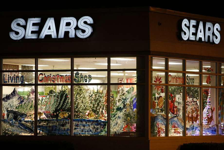 Sears sales dropped 5.8 percent to $8.86 billion, continuing a streak of declines that began in 2007. Photo: Patrick Fallon, Bloomberg