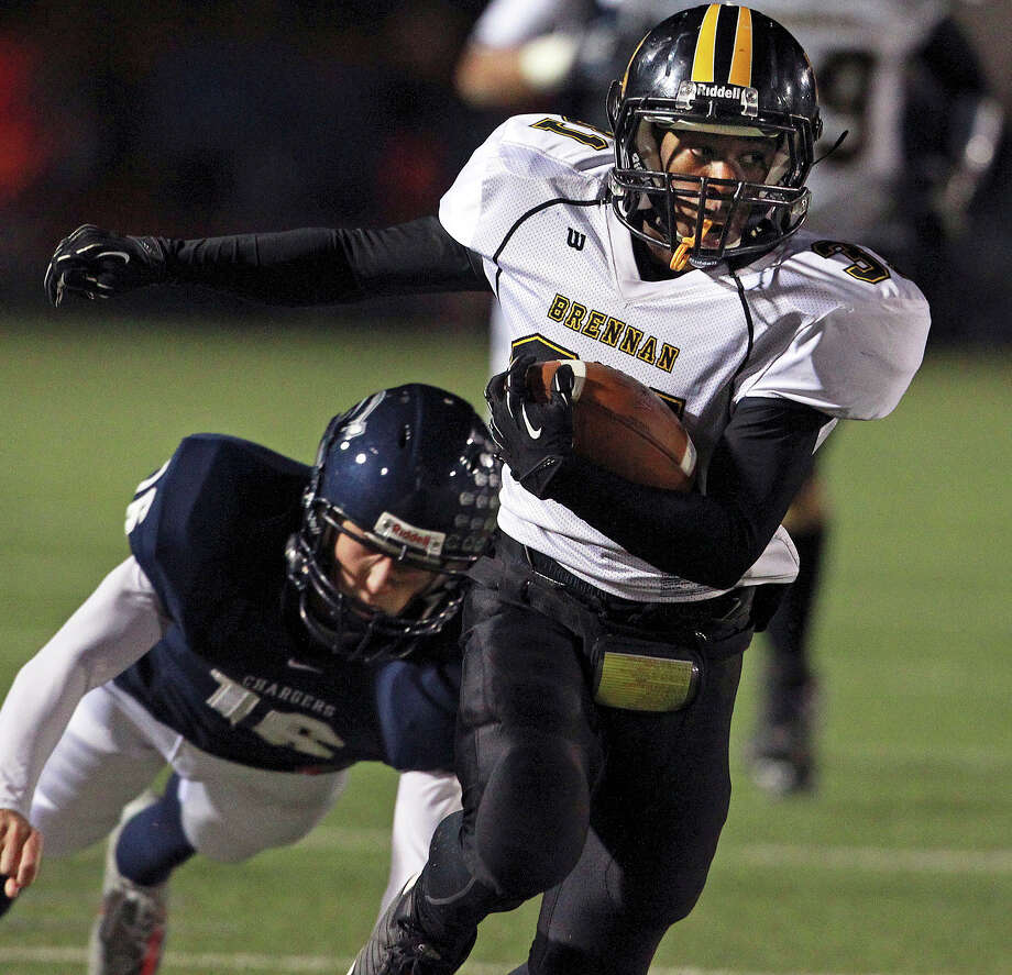 28-4A: Brennan running back Makai Green provides a speed element to the Bears' two-back attack. Photo: Tom Reel, Express-News / ©2012 San Antono Express-News