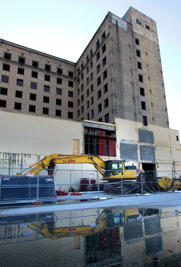 The 80-year-old Ben Milam Hotel across from Minute Maid Park will be demolished on Dec. 9. Photo: Cody Duty, Staff / © 2012 Houston Chronicle