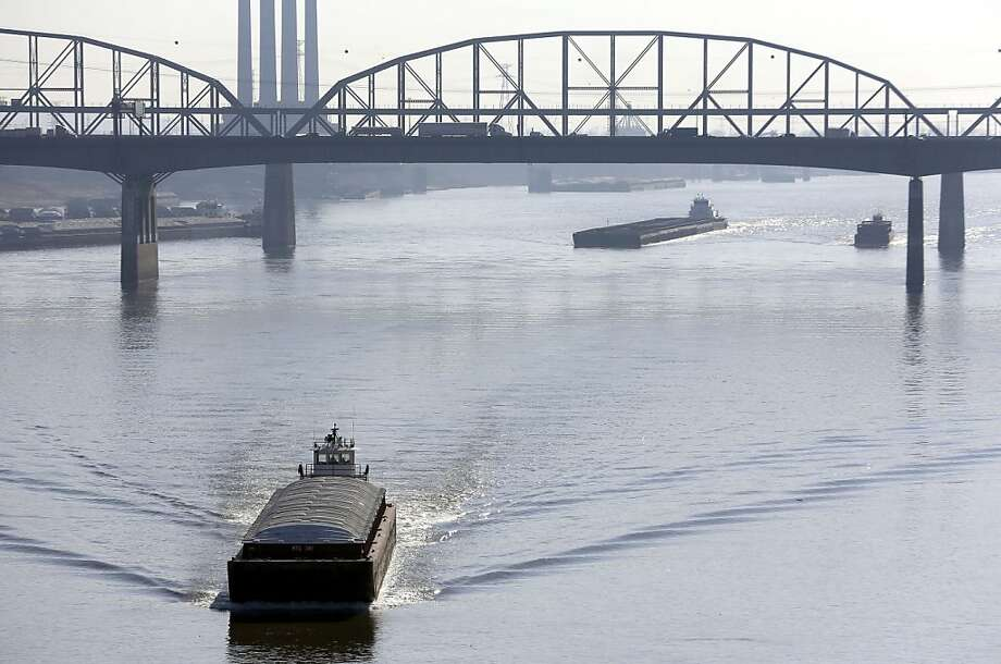 The Army Corps of Engineers plans to reduce the flow from a Missouri River dam, which may close Mississippi River barge traffic at St. Louis due to low water levels caused by drought. Photo: Jeff Roberson, Associated Press