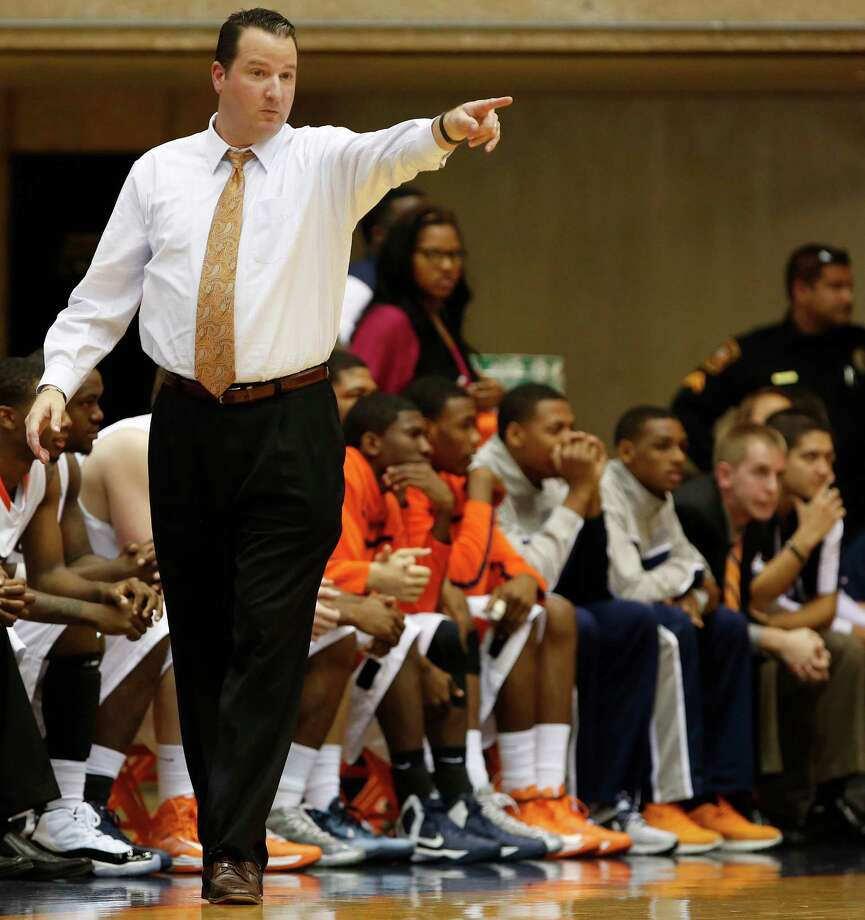 UTSA head coach Brooks Thompson directs his team during first half action against South Carolina Upstate at UTSA's Convocation Center on Saturday, Nov. 17, 2012. MICHAEL MILLER / FOR THE EXPRESS-NEWS Photo: Michael Miller, Express-News / © San Antonio Express-News