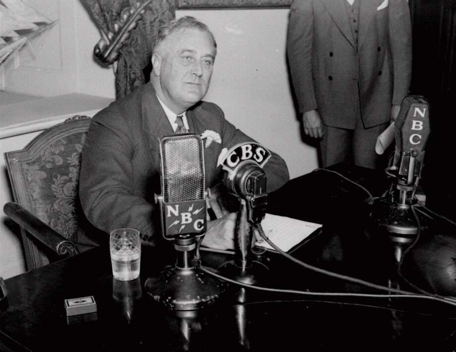 1939: President Franklin Roosevelt clarifies that Thanksgiving to be the fourth Thursday of the month. (AP)
