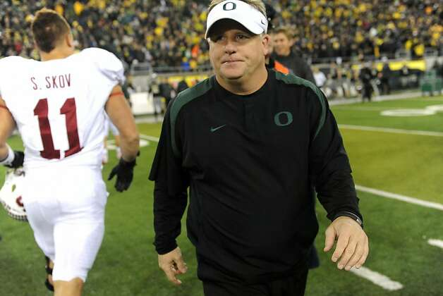 EUGENE, OR - NOVEMBER 17: Head coach Chip Kelly of the Oregon Ducks walks off the field after the game against the Stanford Cardinal at Autzen Stadium on November 17, 2012 in Eugene, Oregon. Stanford won the game 17-14 in overtime. (Photo by Steve Dykes/Getty Images) Photo: Steve Dykes, Getty Images