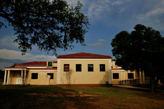 The San Pedro Park Branch Library is San Antonio's oldest branch library. It is one of 10 buildings recognized by the San Antonio Conservation Society for outstanding restoration. The building was designed by Atlee and Robert Ayres. Back side shot Wednesday, April 23, 2008. Photo: NICOLE FRUGE, SAN ANTONIO EXPRESS-NEWS / SAN ANTONIO EXPRESS-NEWS
