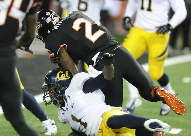 Oregon State's Markus Wheaton (2) beats California's Steve Williams (1) to score during the first half of an NCAA college football game in Corvallis, Ore., Saturday Nov.,17, 2012. (AP Photo/Greg Wahl-Stephens) Photo: Greg Wahl-Stephens, Associated Press