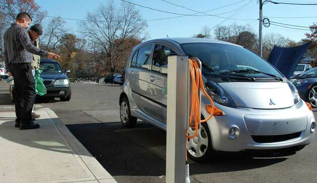 One of 20 charging stations for electric vehicles at the Saugatuck Railroad Station.  Westport CT 11/17/12 Photo: Jarret Liotta / Westport News contributed