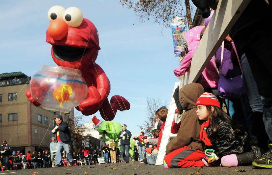 Mirella Alvarado, 3, waits for Elmo during the UBS Parade Spectacular in Stamford, Conn., Nov. 18, 2012. Photo: Keelin Daly / Stamford Advocate Freelance