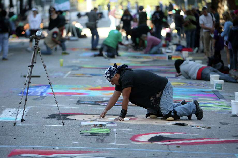November (Date TBA): Via Colori Street Painting Festival at Hermann Square.  Photo: James Nielsen, Chronicle / © Houston Chronicle 2012