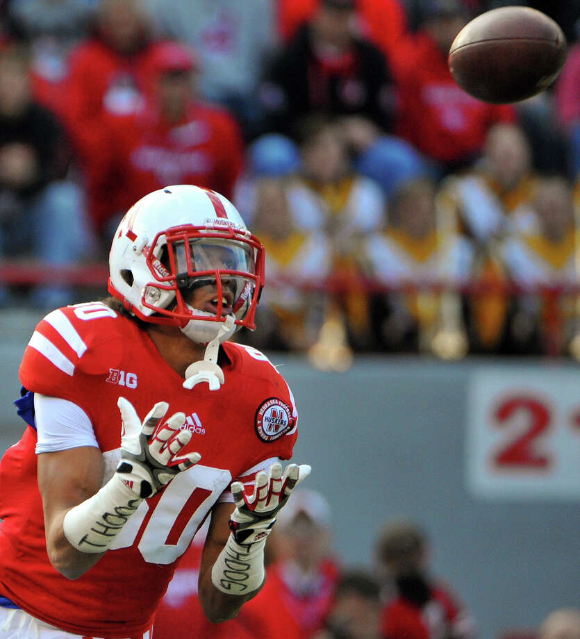 Nebraska's Kenny Bell (80) makes a catch for his first of two touchdowns during their NCAA college football game against Minnesota, Saturday Nov. 17, 2012, in Lincoln, Neb. (AP Photo/Dave Weaver) Photo: Dave Weaver, Wires / FR67562 AP