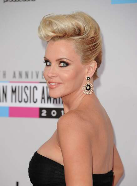 Actress Jenny McCarthy attends the 40th American Music Awards held at Nokia Theatre L.A. Live on Nov