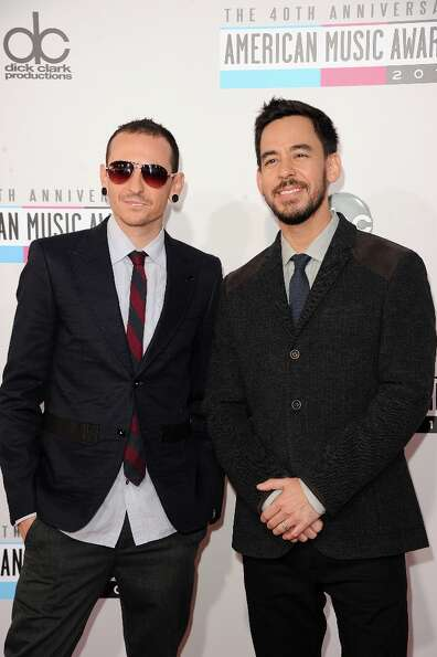 Singers Chester Bennington and Mike Shinoda of Linkin Park attend the 40th American Music Awards hel