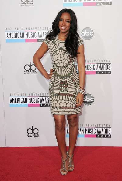 Singer Kelly Rowland attends the 40th American Music Awards held at Nokia Theatre L.A. Live on Novem
