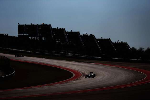 Lewis Hamilton of Great Britain and McLaren drives during the United States Formula One Grand Prix at the Circuit of the Americas on November 18, 2012 in Austin, Texas. Photo: Paul Gilham, Getty Images / 2012 Getty Images