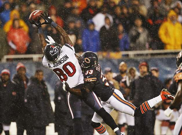 Chicago cornerback Charles Tillman (33), who broke up a pass intended for Houston's Andre Johnson on Nov. 11, has 36 forced fumbles since 2003 - tops in the NFL for defensive backs. Photo: Charles Rex Arbogast, Associated Press