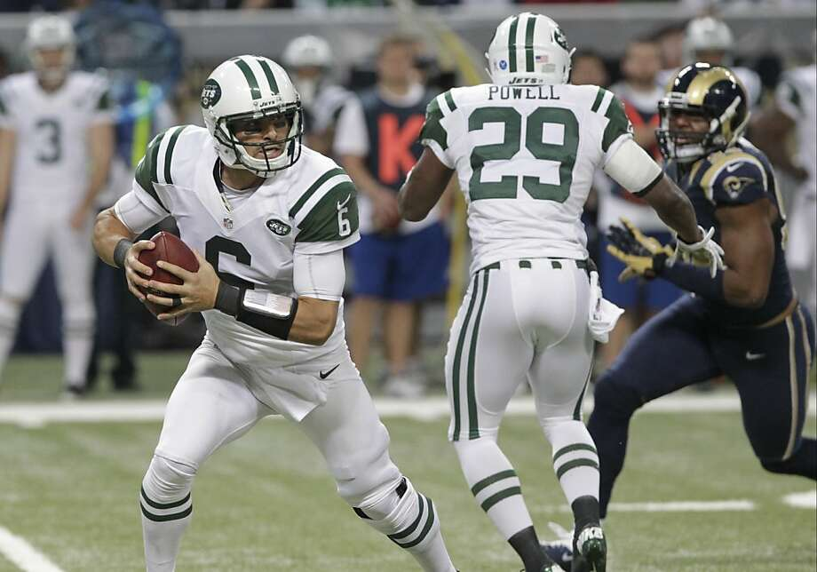 Jets quarterback Mark Sanchez had a turnover-free game as his team emerged from an offensive funk to top the Rams 27-13, without help from Tim Tebow. Photo: Seth Perlman, Associated Press