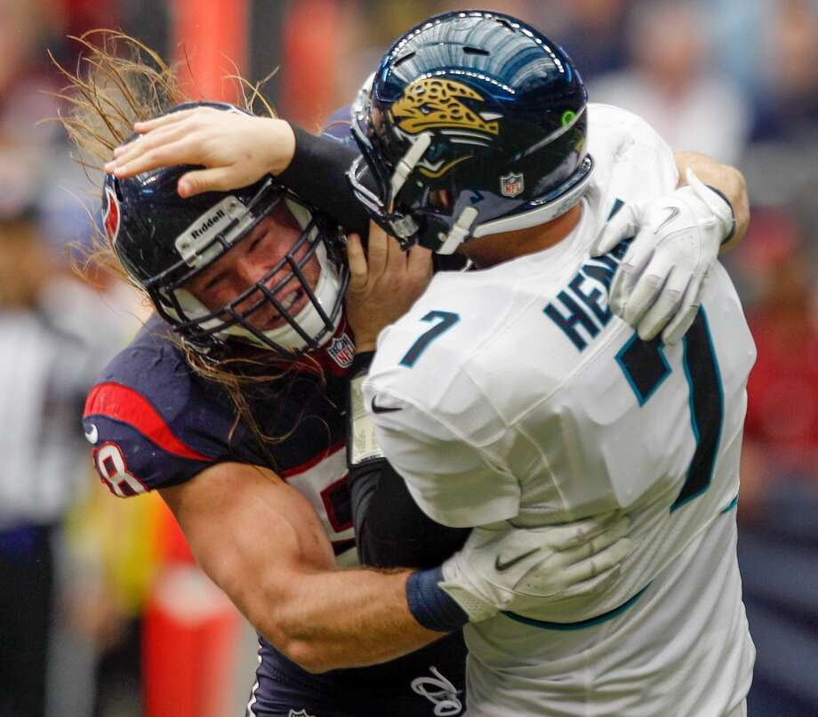 Texans outside linebacker Brooks Reed (58) hits Jacksonville quarterback Chad Henne (7) during the second quarter. (Brett Coomer / Houston Chronicle)