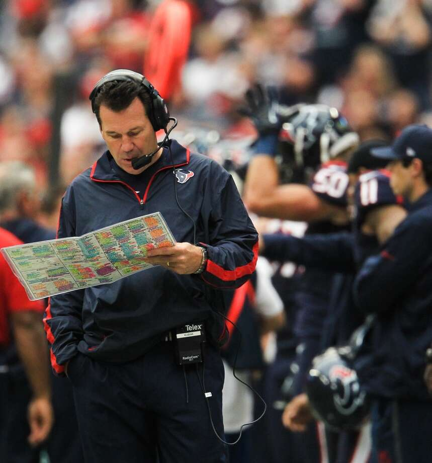 Texans head coach Gary Kubiak paces the sidelines during the first quarter. (Karen Warren / Houston Chronicle)