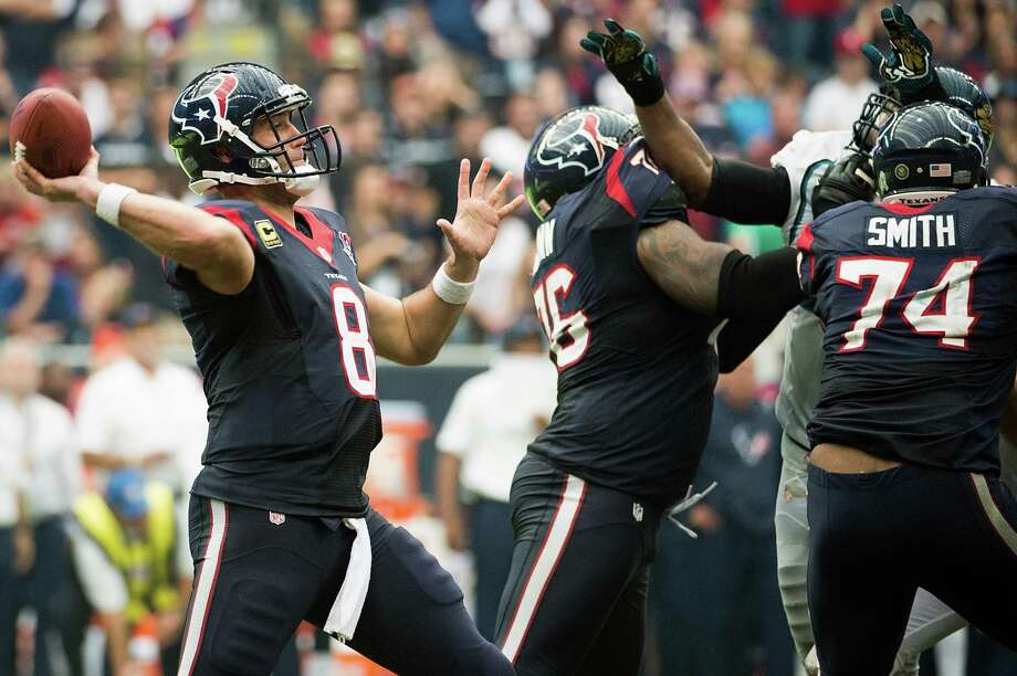 Texans quarterback Matt Schaub (8) tosses a touchdown pass to Garrett Graham to tie the game late in the fourth quarter. Photo: Smiley N. Pool, Houston Chronicle / © 2012  Houston Chronicle