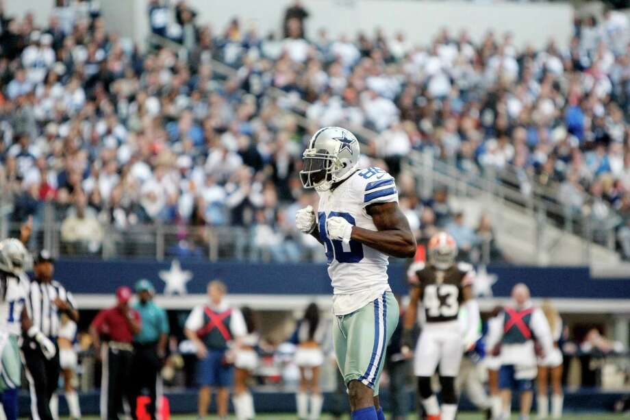 Dallas Cowboys wide receiver Dez Bryant (88) celebrates a catch during the second half of an NFL football game against the Cleveland Browns Sunday, Nov. 18, 2012 in Arlington, Texas. (AP Photo/Brandon Wade) Photo: Brandon Wade, Associated Press / FR168019 AP