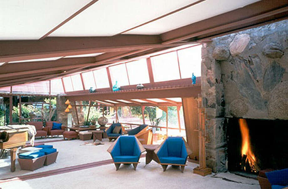 Another glimpse of the interior (Frank Lloyd Wright Foundation / http://www.franklloydwright.org)