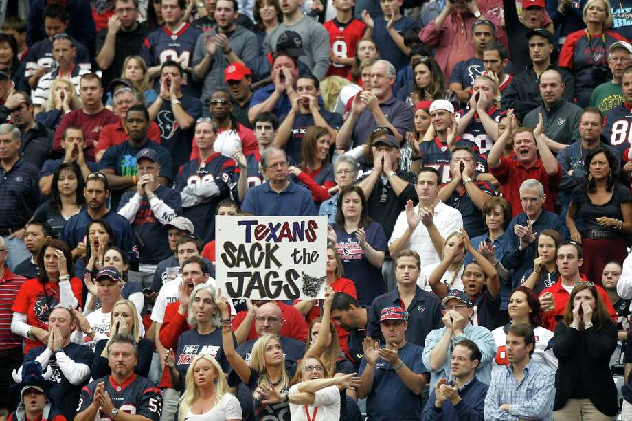 The NFL recently announced security changes that will limit the size of bags and purses which can be brought into games. Photo: Brett Coomer, Houston Chronicle / © 2012  Houston Chronicle