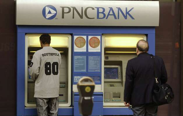 PNC Bank: PNC was the only one of the nation's 10 banking giants to offer a free basic checking account, and it has no minimum-balance requirement, according to Consumer Reports. Photo: Jeff Swensen, Getty Images / 2006 Getty Images