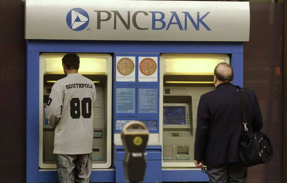 PNC Bank:PNC was the only one of the nation's 10 banking giants to offer a free basic checking account, and it has no minimum-balance requirement, according to Consumer Reports. Photo: Jeff Swensen, Getty Images / 2006 Getty Images