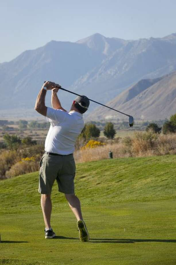 Vic Williams show remarkable form too early in the morning at Genoa Lakes resort course. (Ted Johnson / Courtesy)