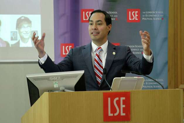 "Special for San Antonio Express-News. Mayor of San Antonio, Julian Castro speaks to the students on ""US Leadership in the 21st Century"" at the London School of Economics and Political Science in London, Monday, Nov. 19, 2012. Photo: Sang Tan, AP / AP"