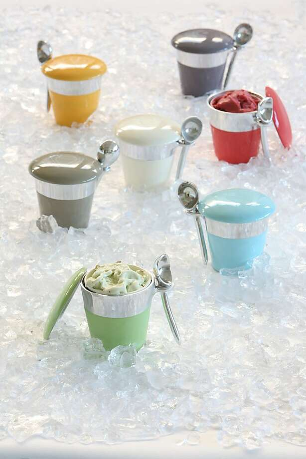 Lunares' line includes a pint ice cream holder with scoop. Photo: Lunares