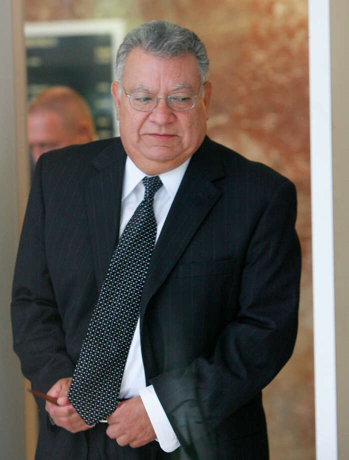 Gilberto Lopez, 70, was Stanford's chief accounting officer. He and Kuhrt remain in custody. Photo: Julio Cortez, Staff / Houston Chronicle